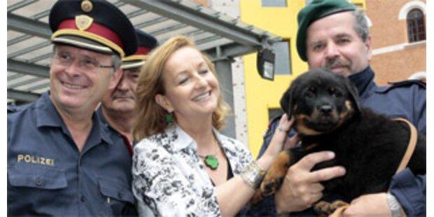 Wiener Polizei begrüßt neue Chefin Maria Fekter