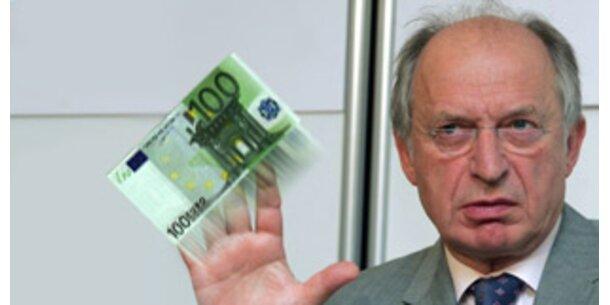 100 Euro lösen laut IHS Inflations-Problem nicht