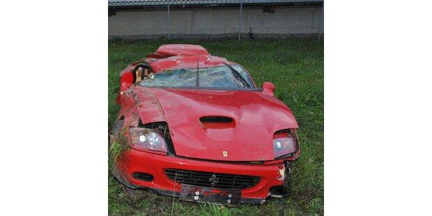 Ex-Skistar zertrümmert Ferrari