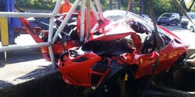 Horror-Crash mit 570 PS-Ferrari