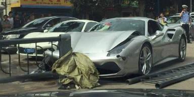 Ferrari 488 GTB schießt Ferrari 488 GTB ab