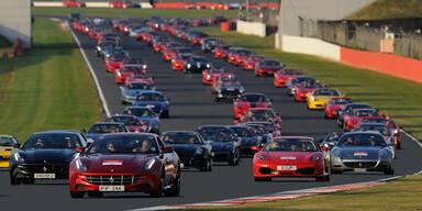 Video: Die längste Ferrari-Kolonne der Welt