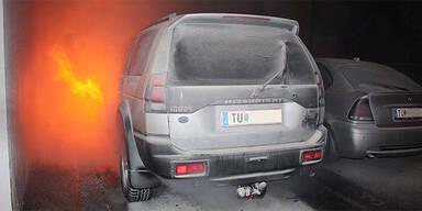 Geländewagen geht in Flammen auf