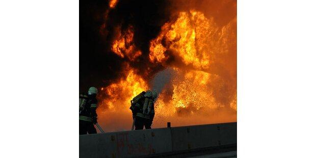 Tanklastwagen flog auf A2 in die Luft