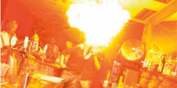 Feuer in Bar: Kellner unter Verdacht