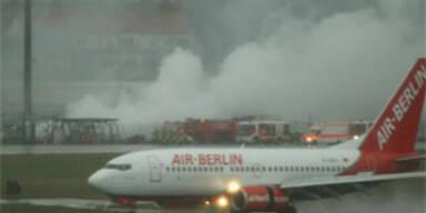 Feuer im militärischen Teil von Flughafen Tegel