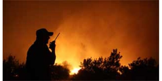 Beliebter Athener Park in Flammen