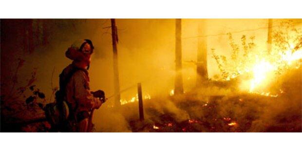 Waldbrand in Kalifornien weiter außer Kontrolle