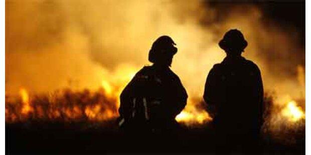 2 Feuerwehrleute sterben in Flammenmeer