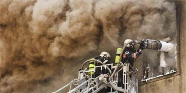 Wiener nach Wohnungsbrand in Lebensgefahr