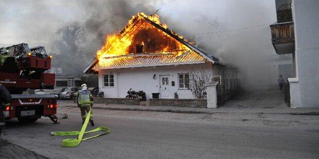 Feuersbrunst zerstört Haus in Tirol