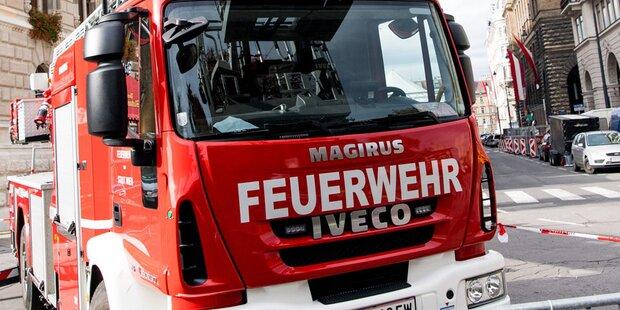 Restaurant-Brand in Ebensee wegen Handy