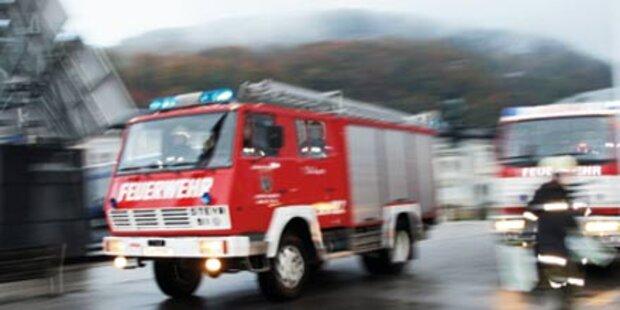 Feuerwehr rettet Bewusstlosen aus Flammen