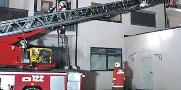 Fernseher explodiert: Zwei Verletzte