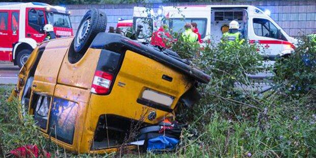 Schwerer Crash auf der Südautobahn A2 – eine Person tot