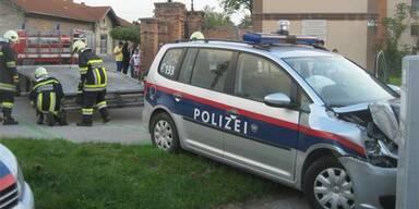 Polizei-Auto von Bub (17) gecrasht