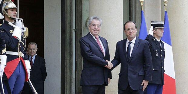Fischer trifft Hollande in Frankreich
