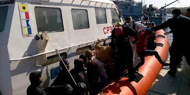 Flüchtlingsboot gekentert: 9 Tote