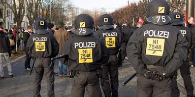 Flüchtlinge Polizei