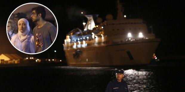 Polizei holt Flüchtlinge von Kreuzfahrtschiff
