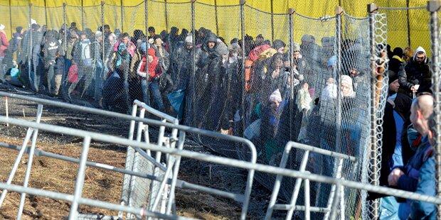 Droht wildes Asyllager an unserer Grenze?