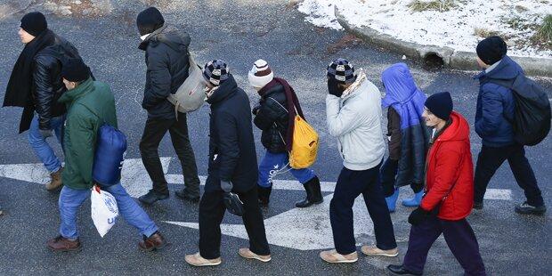 Flüchtlinge machen Urlaub, wo sie angeblich verfolgt werden