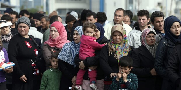 Flüchtlinge drängen auf Arbeitsmarkt