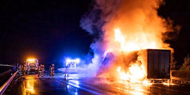 Sattelschlepper brannte komplett nieder – Autobahn gesperrt
