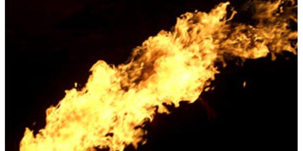 Kölner stürmt Disco mit Feuerwerfer