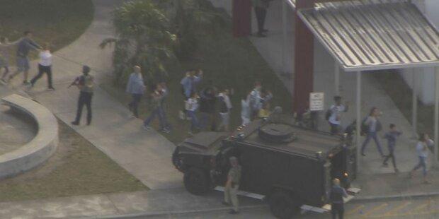 Schüsse an Schule in Florida - 17 Tote