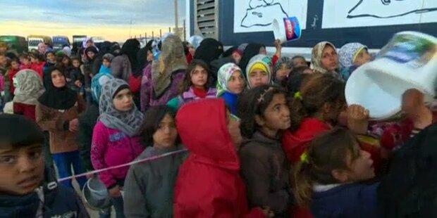 Flüchtlinge beklagen sich wegen schlechtem Essen