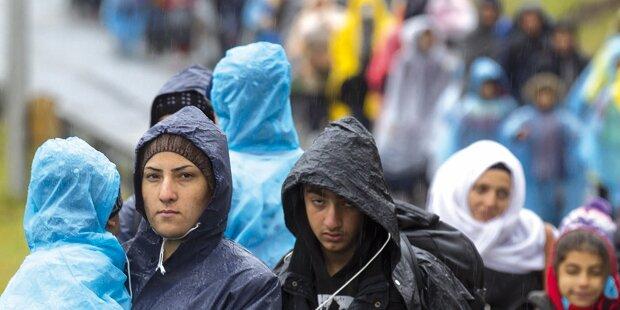 Flüchtlinge sollen sich Millionen erschlichen haben