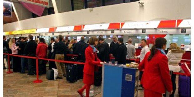 Mexiko-Reisende am Flughafen untersucht