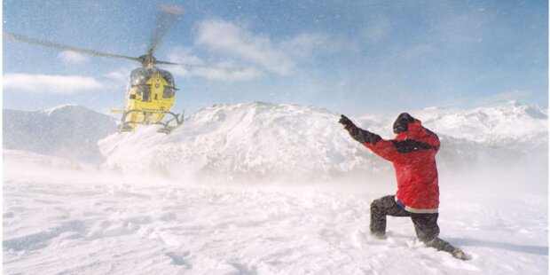 Skifahrerin stürzt in den Tod
