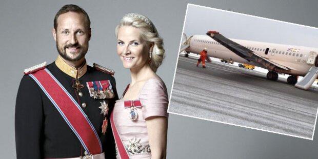 Haakon & Mette-Marit: Rauch im Flugzeug