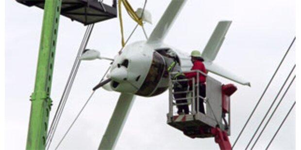 Sportflugzeug verfing sich in Hochspannungsleitung