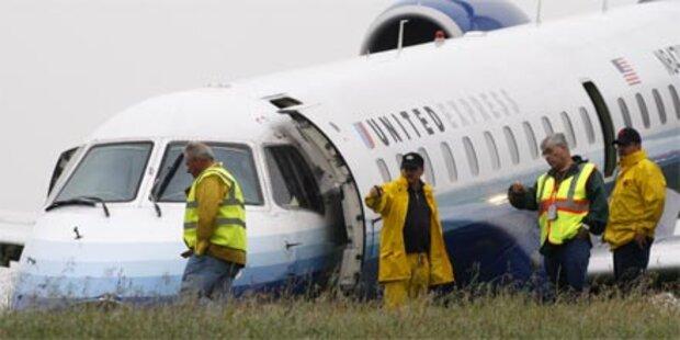 Flugzeug schlitterte über Landebahn hinaus