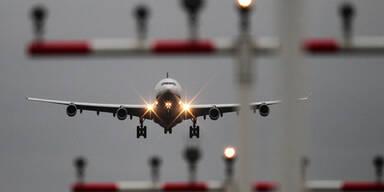 Vier Attacken auf Flugzeuge
