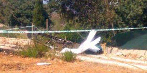 Flugzeug crasht mit Hubschrauber: Deutsche Familie tot