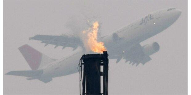 Flugzeug-Toilette ging in Flammen auf