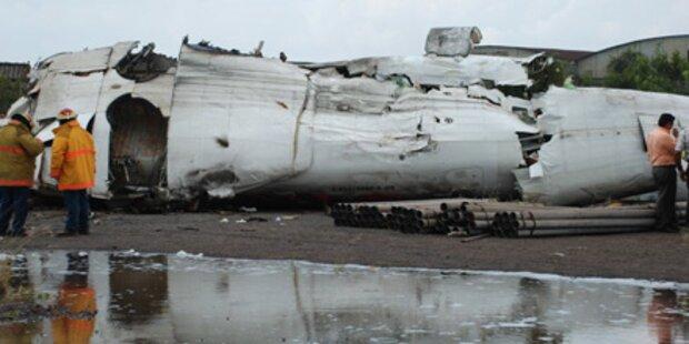 Sibirien: Flugzeug explodiert auf Rollbahn