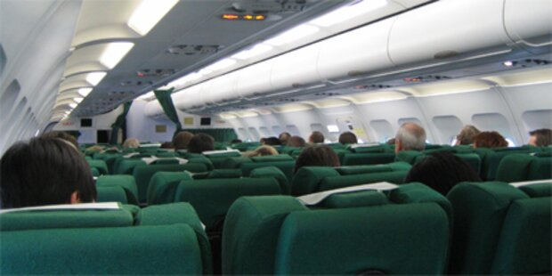 8.000m-Sturzflug von Passagierflugzeug