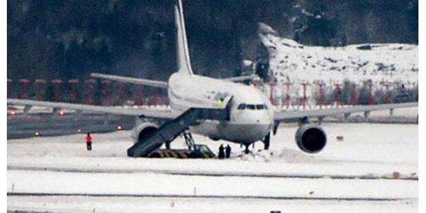 Flugzeug rutscht von Startpiste