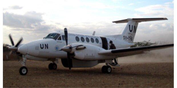 Flugzeug mit 17 Menschen an Bord abgestürzt
