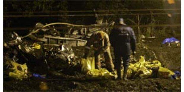 Polizisten plünderten Leichen nach Flugzeugabsturz