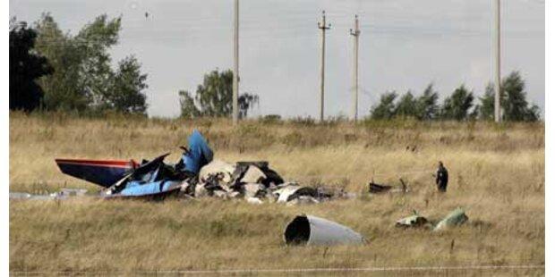 Ein Toter bei Crash während Flugshow