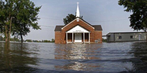 Jahrhundertflut wälzt sich auf USA zu