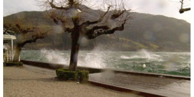Sturm mit Böen bis zu 100 km/h wütet