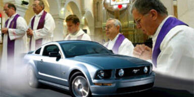 ford-mustang-kirche