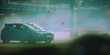 Drohnen jagen Mustang und Focus RS